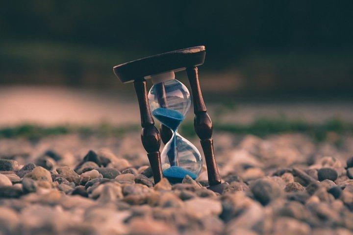 Una clessidra per segnare il tempo