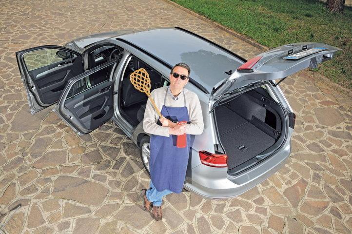 La sanificazione dell'auto con il battipanni